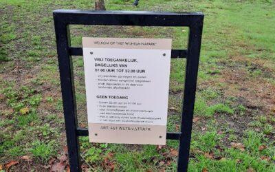 Plaatsing parkborden Wilhelminapark